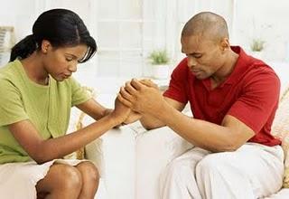 casal-orando