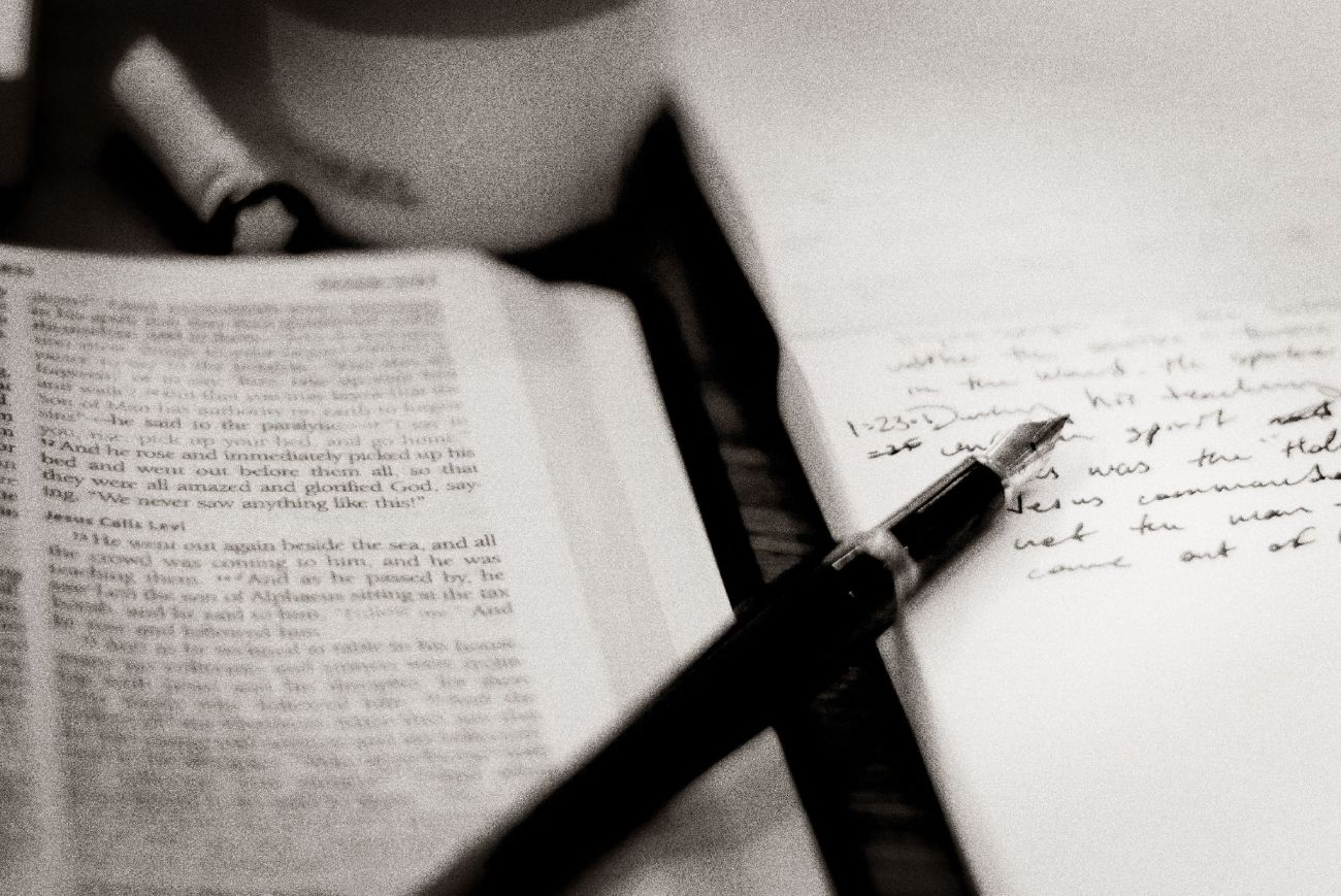 biblia_estudo.jpg