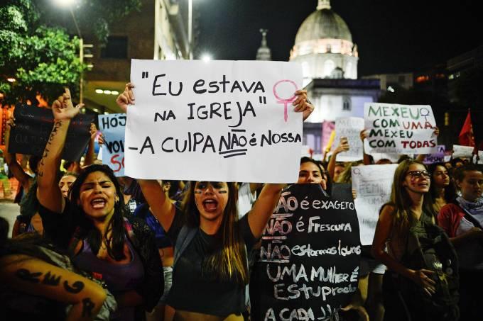 protesto-violencia-mulheres-2016-7776
